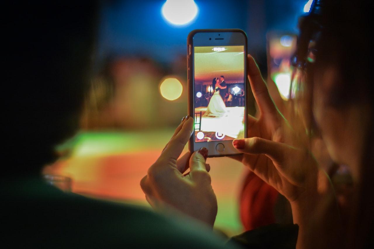 結婚披露宴のビデオメッセージ制作の流れ